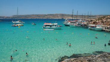 malta-lago azul